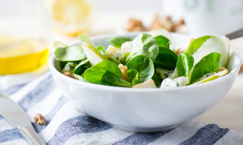 ASIAN PEAR AND BLUE CHEESE SPINACH SALAD