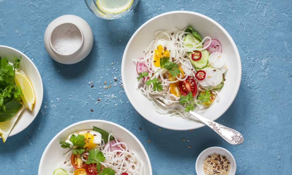 YOUR NEW FAVOURITE LUNCH: THE SPRING ROLL BOWL
