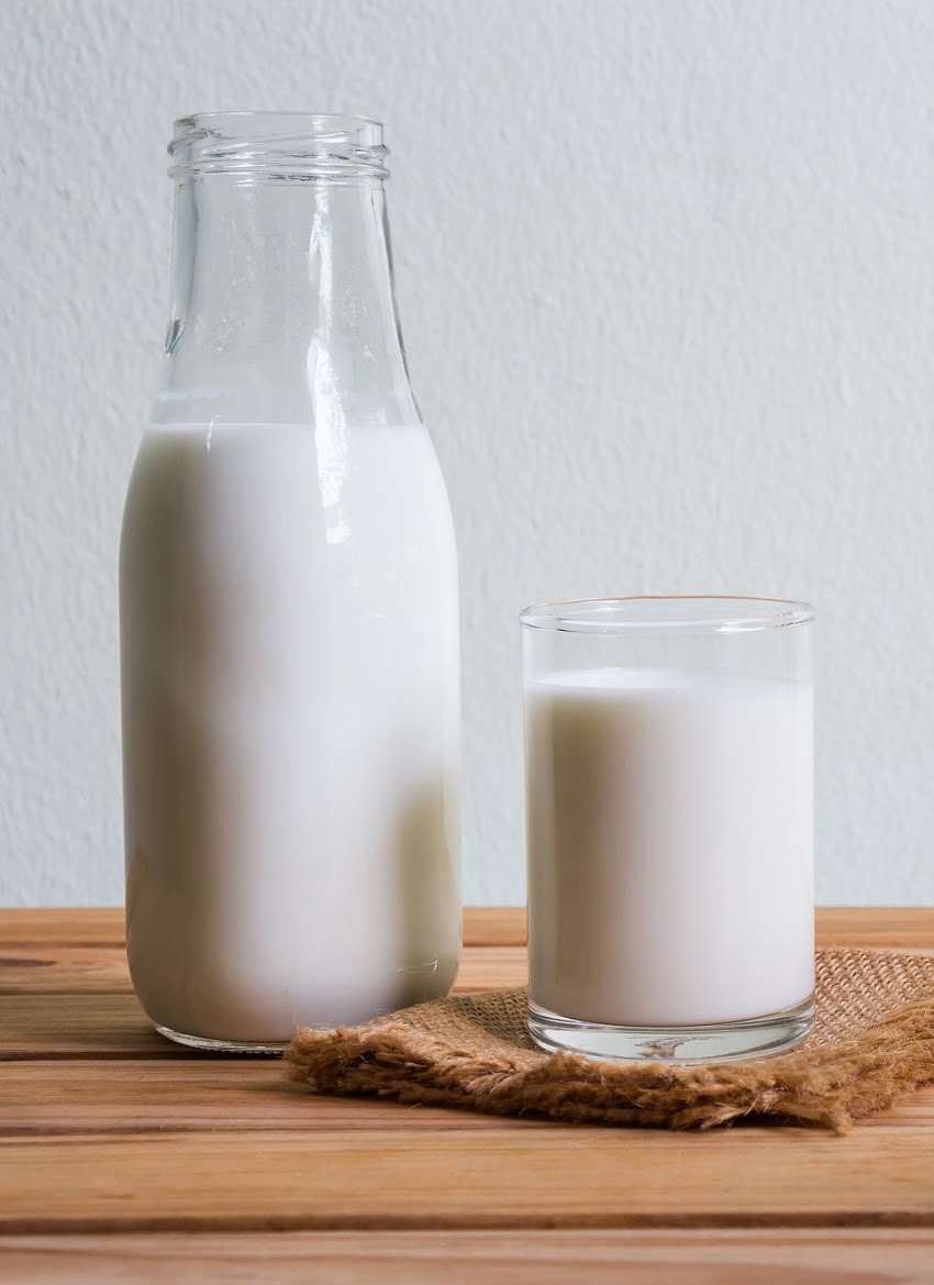 6 Ways to Use Up Sour Milk #zerowaste
