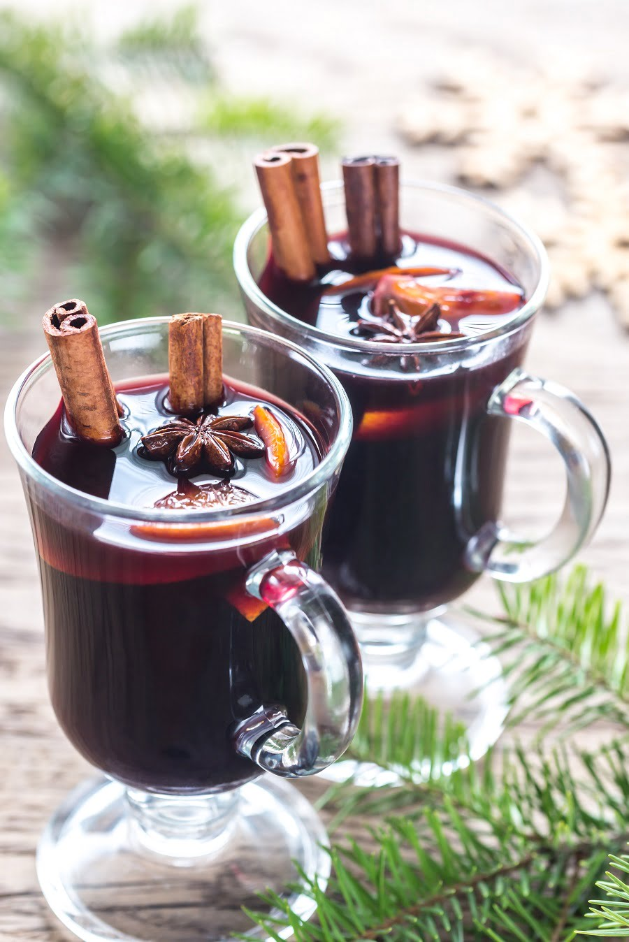 How to make mulled wine and mulled cider for the holidays