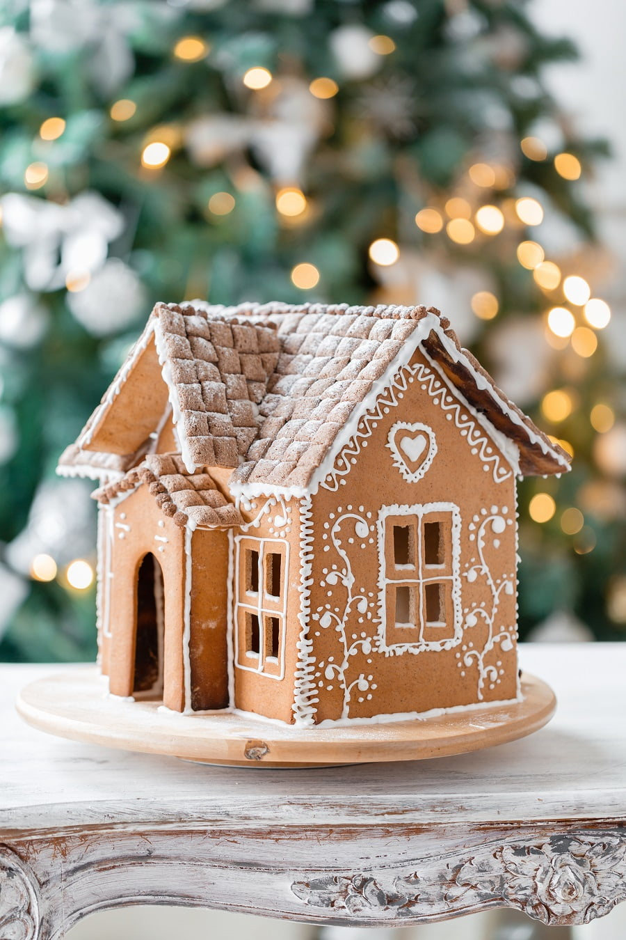 Gingerbread House Hacks for an Easy, Foolproof DIY | SPUD.ca #holiday #baking