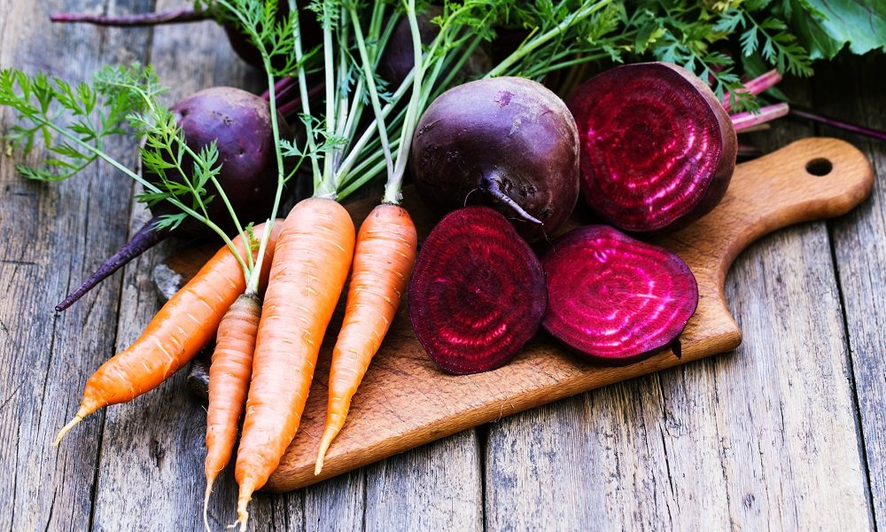 STOP TOSSING OUT THESE 6 VEGETABLE TOPS