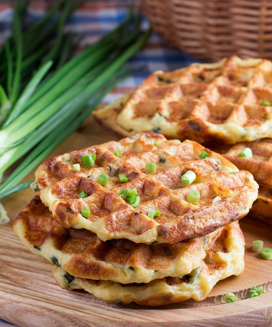 How to Make Mashed Potato Waffles (#vegan + #glutenfree)