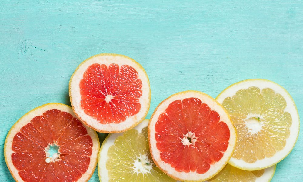 HOW GRAPEFRUIT CAN HELP KEEP YOUR SKIN LOOKING BEAUTIFUL