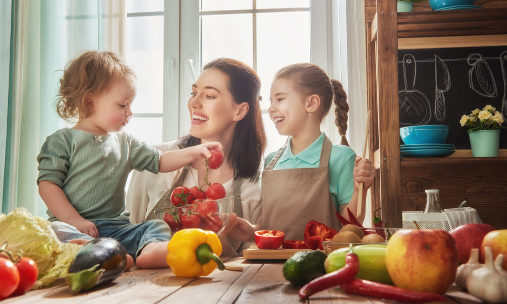 USE THESE 5 TIPS TO HELP GET YOUR KIDS INVOLVED WITH MEAL PREP