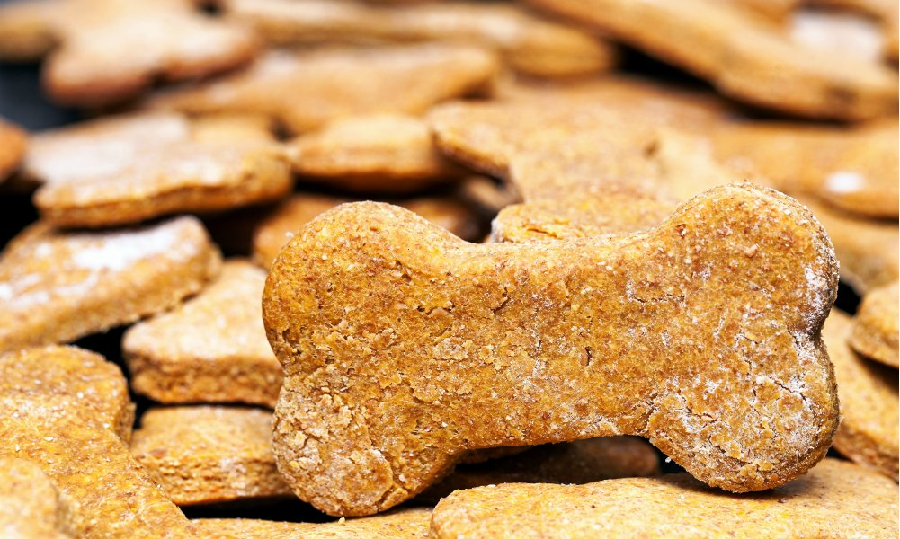 HOMEMADE DOG TREATS MADE WITH NATURAL INGREDIENTS