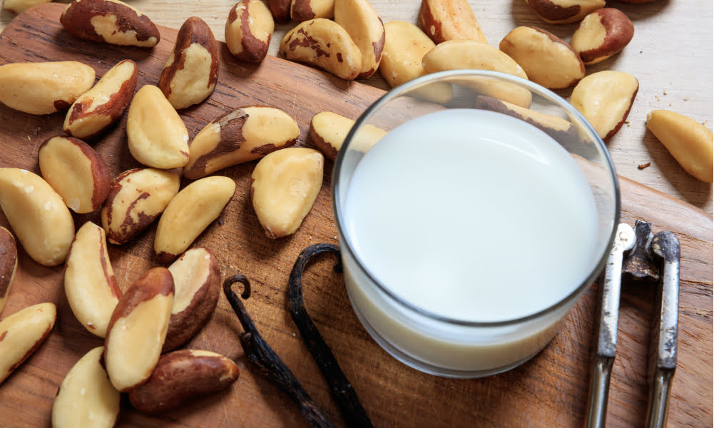 THIS HOMEMADE TROPICAL NUT MILK IS THE TOP SELENIUM FOOD THAT FIGHTS INFLAMMATION