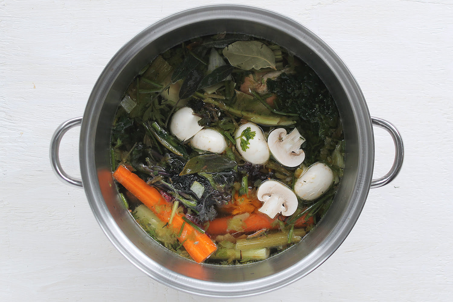 How to Make Vegetable Broth | SPUD.ca