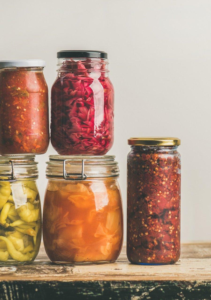 Prebiotics vs. Probiotics: what's the difference? #guthealth