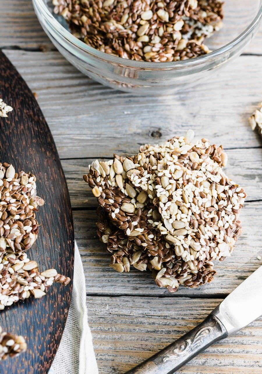 Easy Homemade Vegan Seed Crackers #lowcarb #keto #vegan #glutenfree #recipe