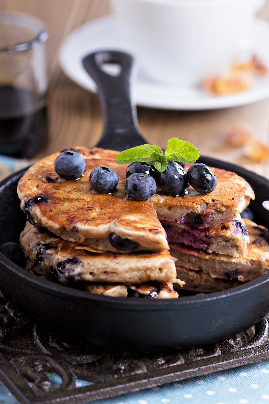 How to make blueberry banana pancakes (vegan)