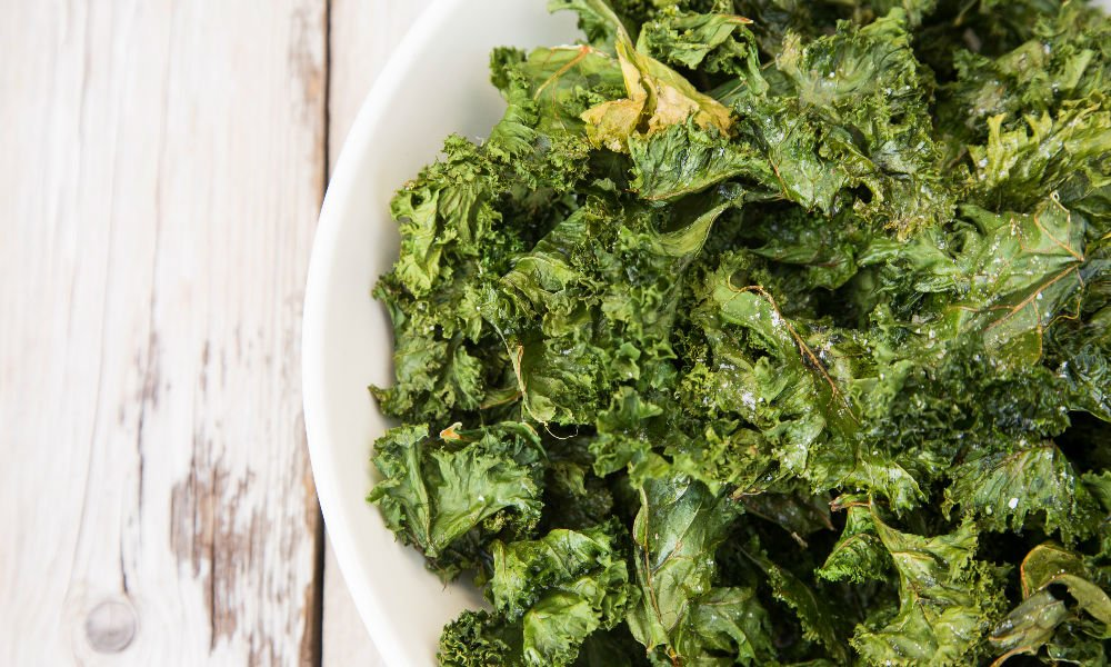 6 FOOLPROOF TIPS TO UP YOUR KALE CHIP GAME