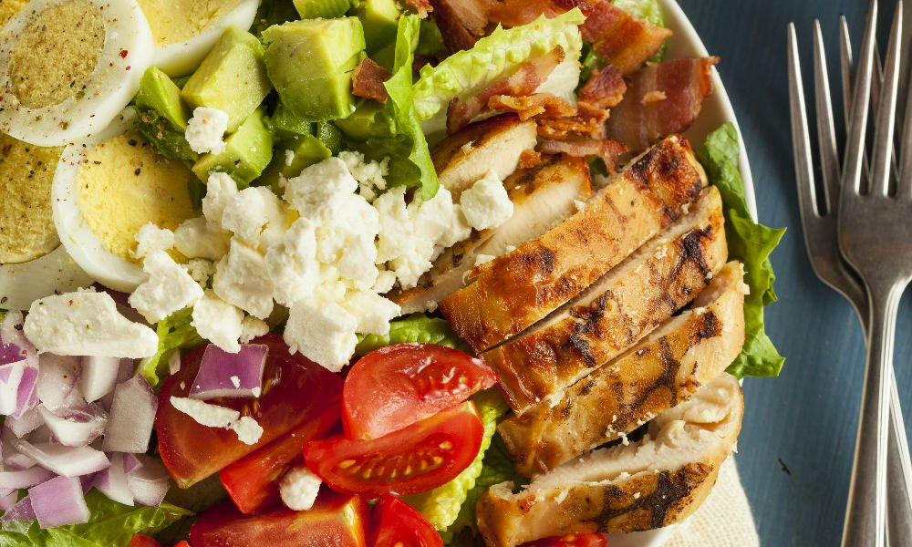 WHY A CLASSIC COBB SALAD MAKES THE PERFECT LUNCH