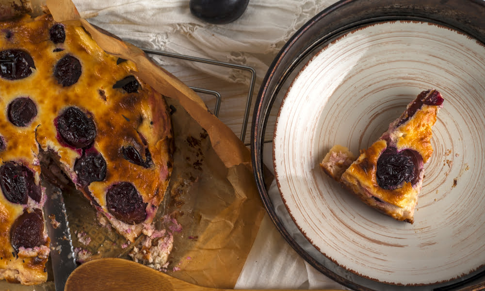 TAKE ADVANTAGE OF THE SEASON'S BEST PRODUCE WITH THIS VEGAN PLUM CAKE