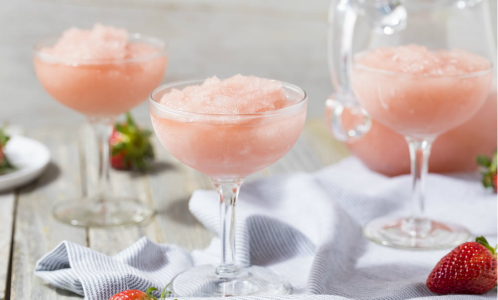 HOW TO FROSÉ ANY DAY, WITH OR WITHOUT A BLENDER