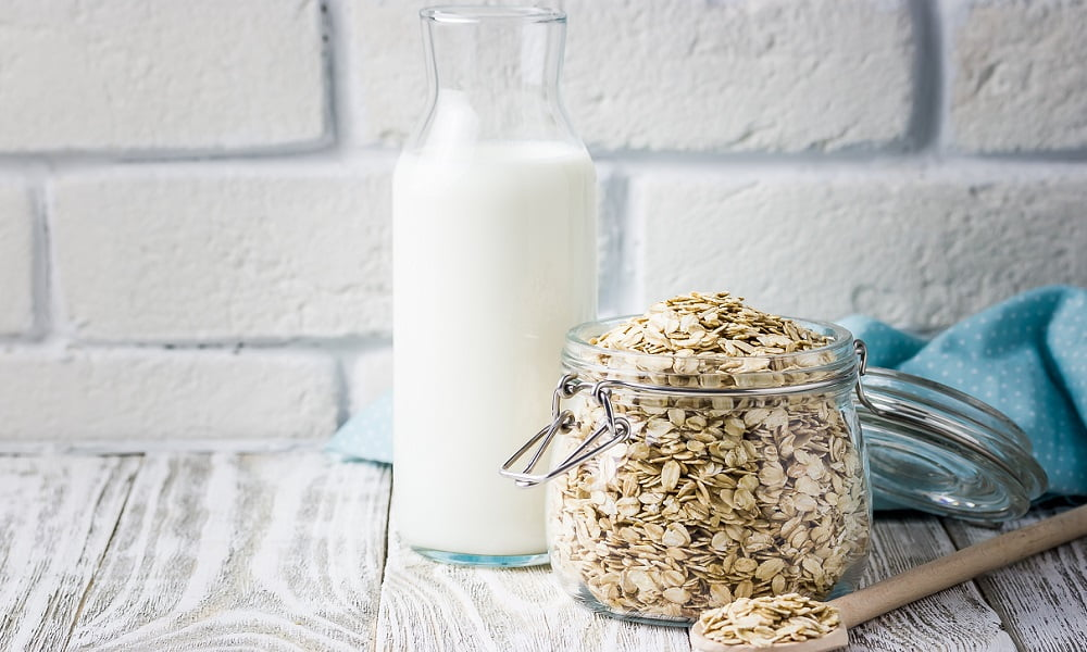 How to Make Vegan Oat Milk