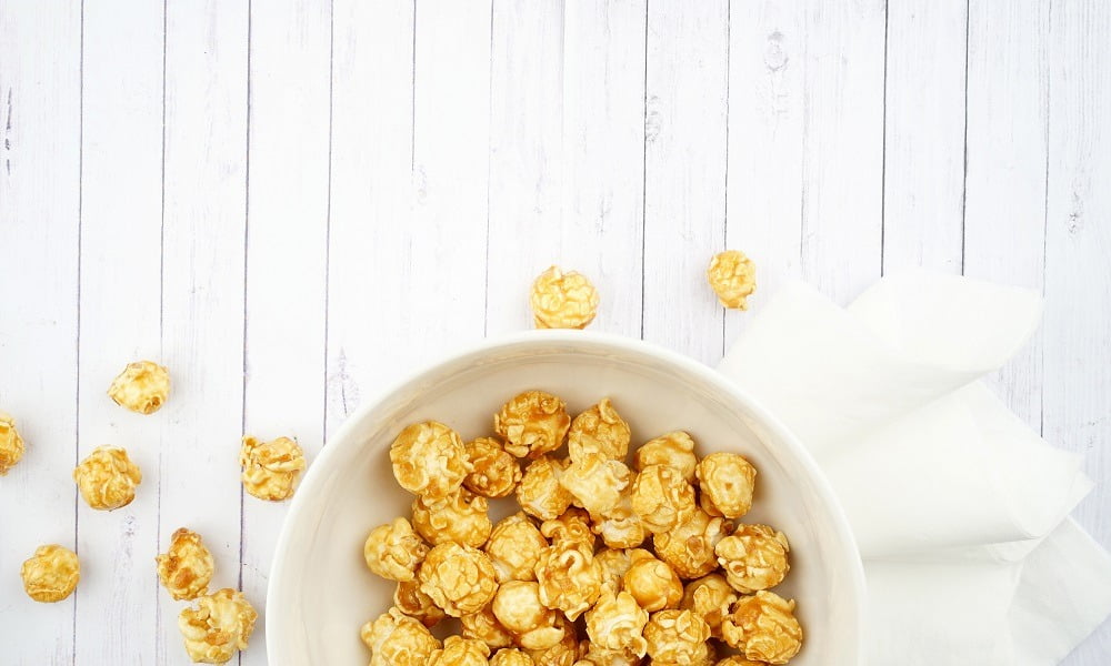 HOW TO MAKE HONEY CARAMEL POPCORN