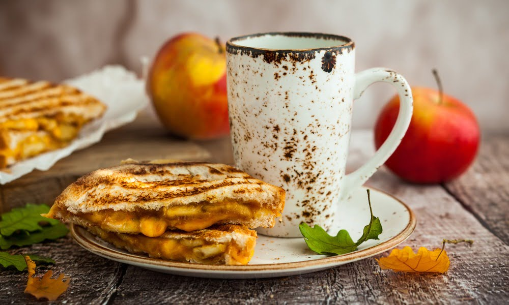 7 DELICIOUS APPLE RECIPES TO TRY THIS FALL