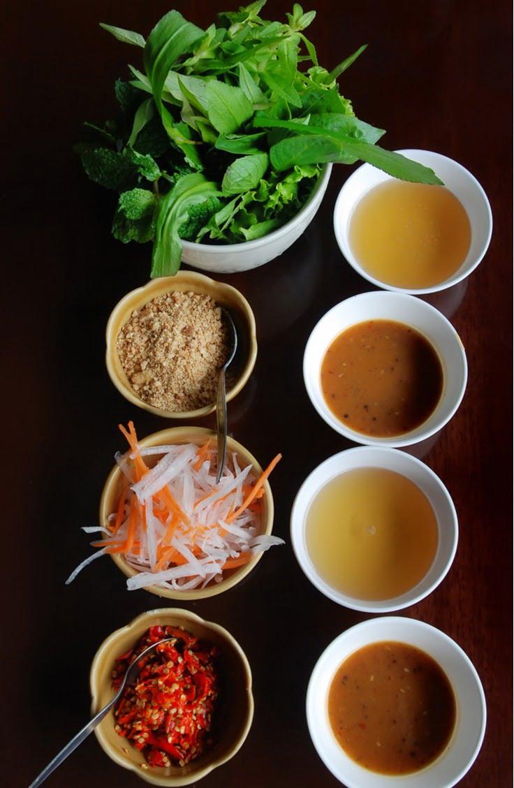 ramen condiments